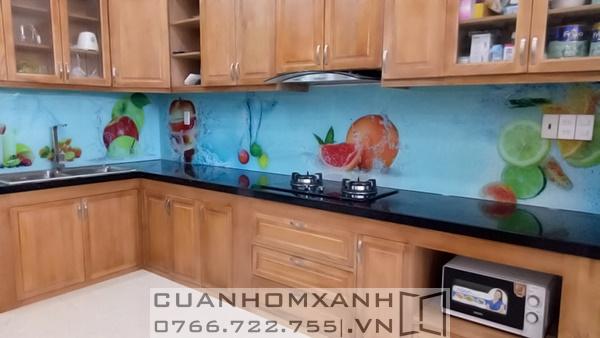 Kính sơn ốp bếp trang trí
